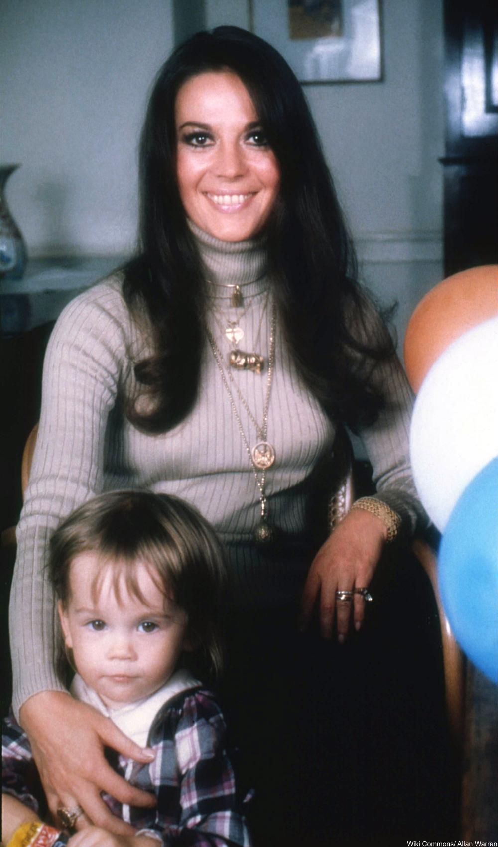 Wood wth her daughter, Natasha Gregson, in 1973.
