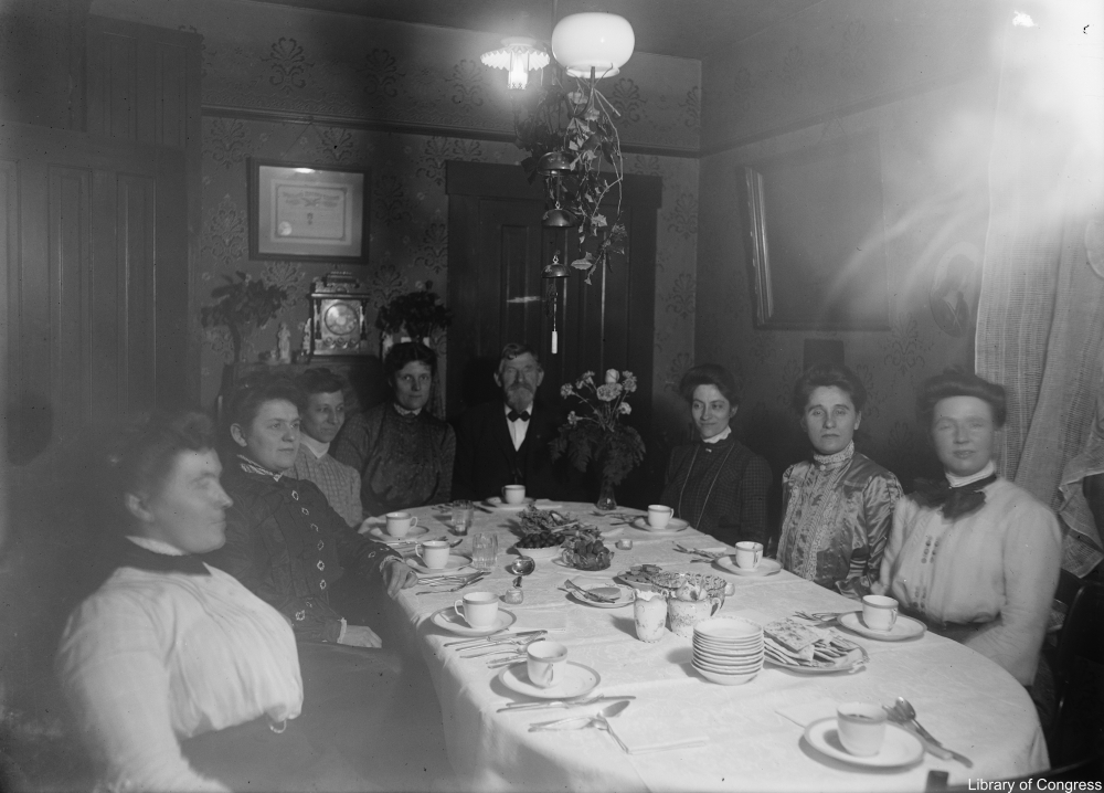 Christmas dinners of 100 years ago looked  a bit different