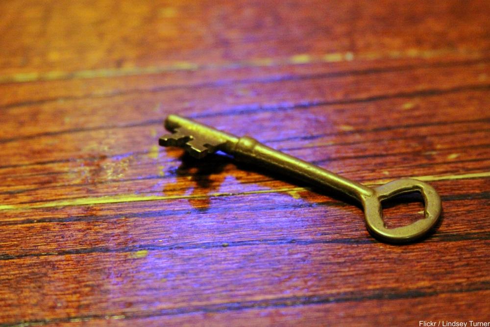 brass skeleton key
