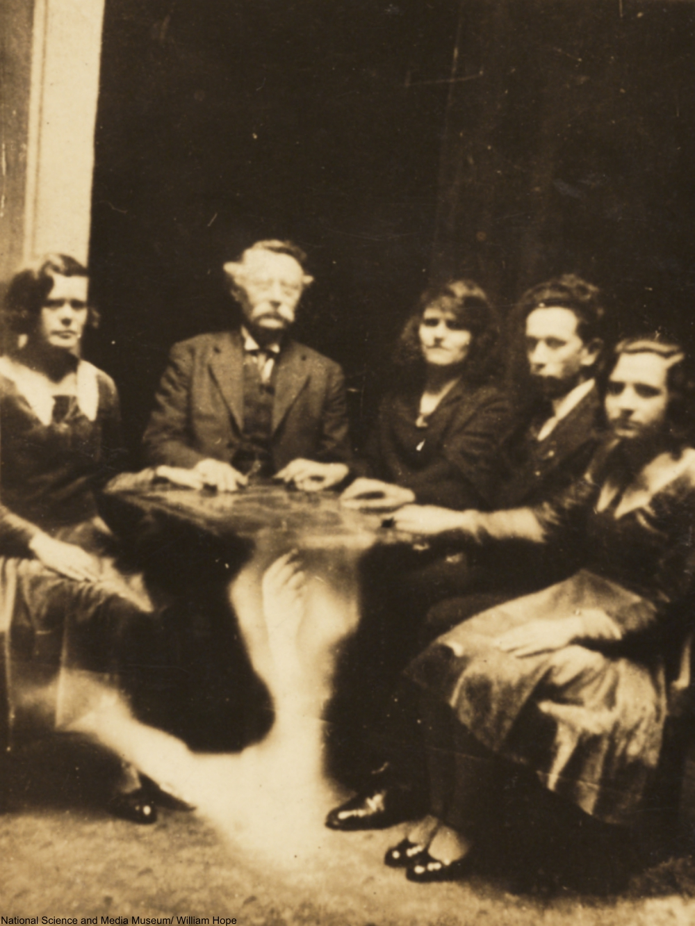 spirit photography of a seance