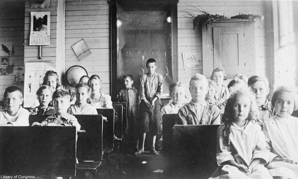 one-room schoolhouse in 1922