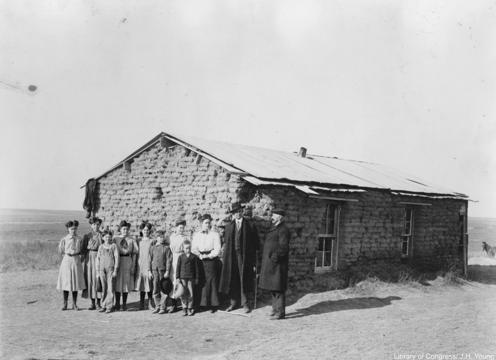 sod school house in Decatur County, Kansas, 1907.