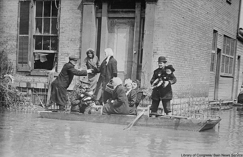 rescuers in the flood of 1913, Dayton, Ohio