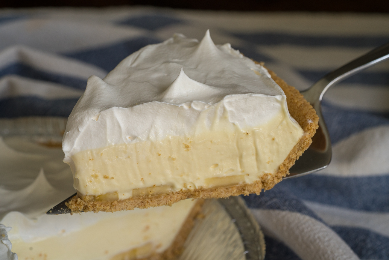 No-Bake Banana Cream Pie Horizontal (8 of 15)