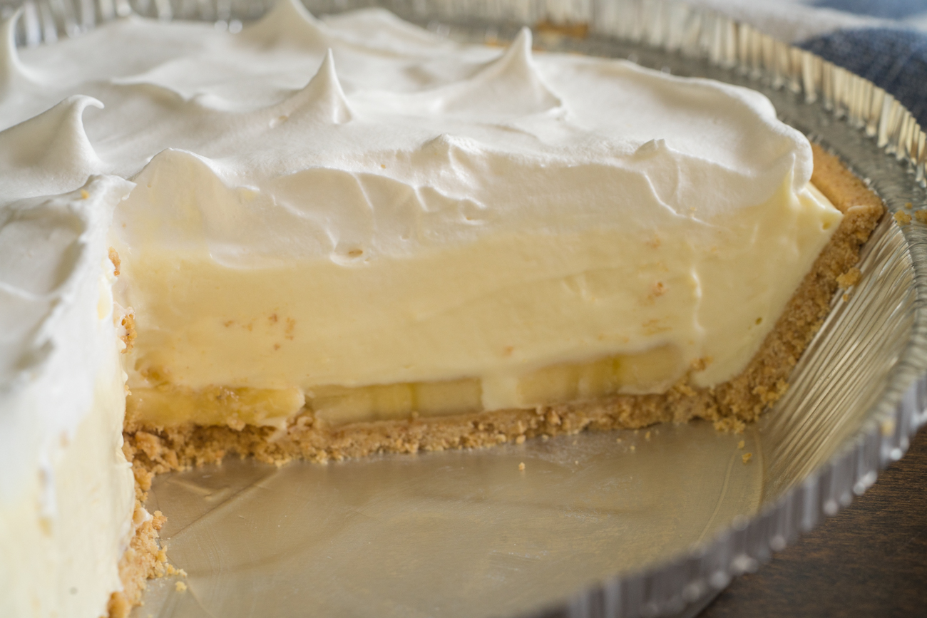 No-Bake Banana Cream Pie Horizontal (10 of 15)