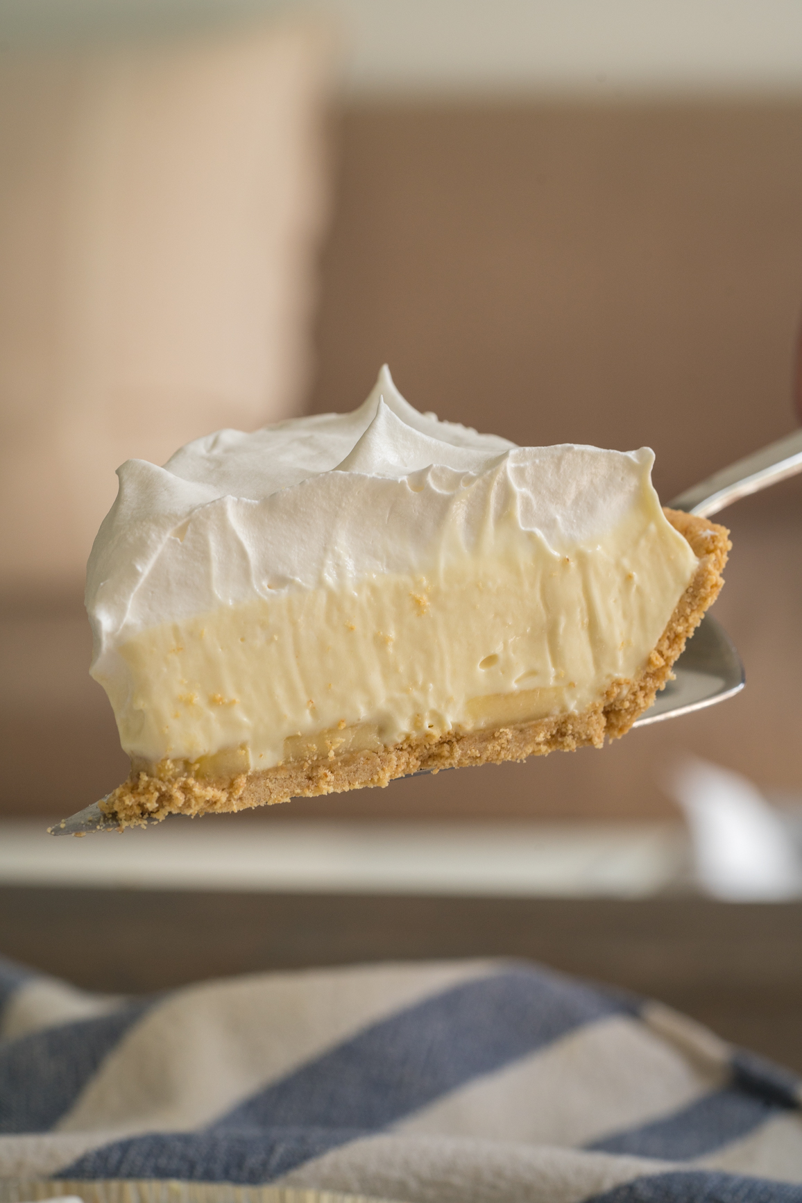 No-Bake Banana Cream Pie Vertical (4 of 10)