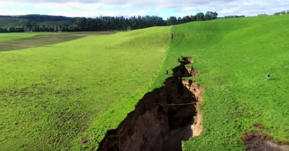 Source: YouTube/AFP news agency The sinkhole in New Zealand is as much as 6 stories deep at points.