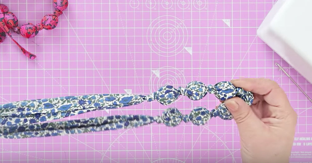 teething necklace 3