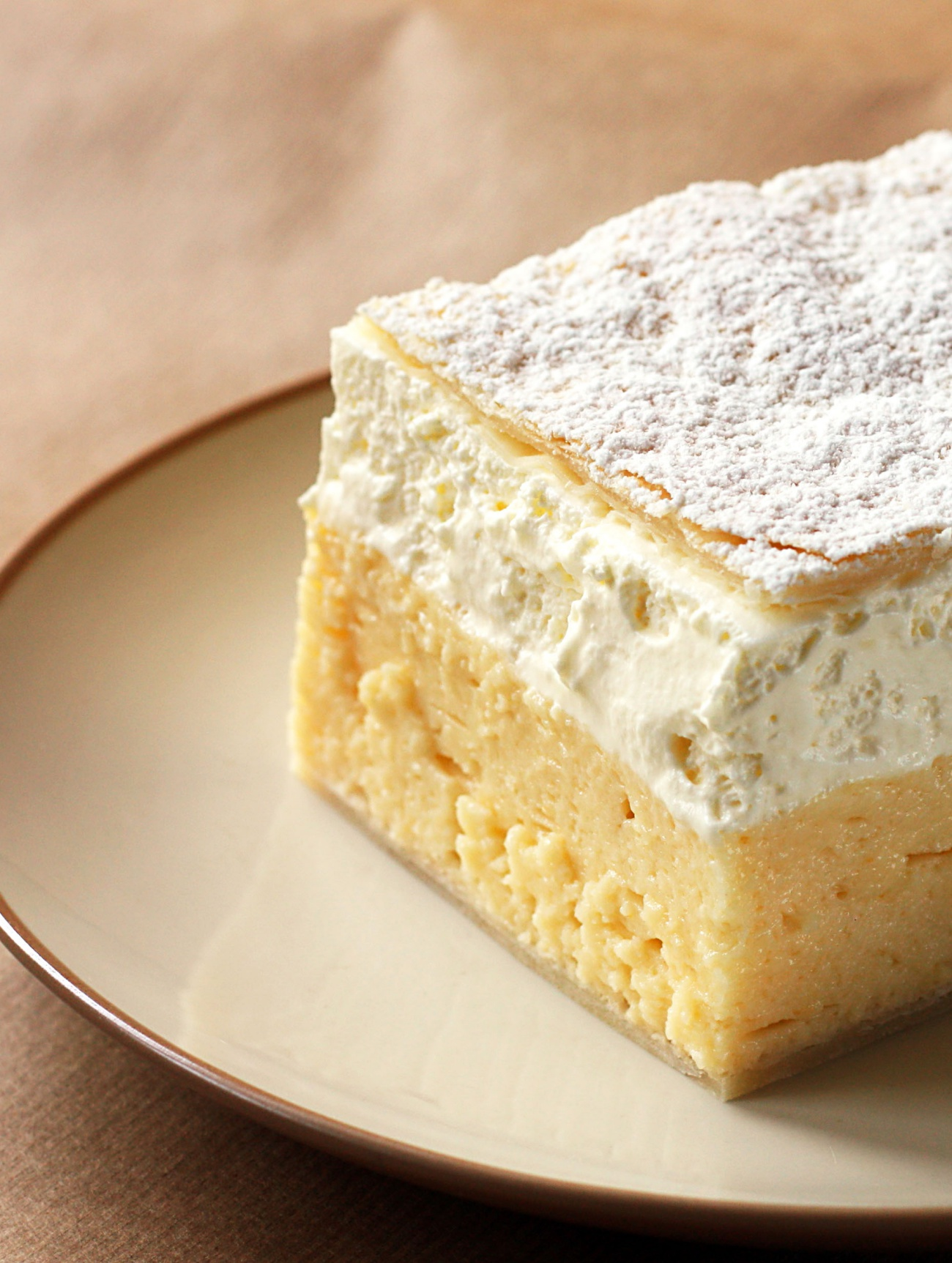 Bled Vanilla and custard cream cake