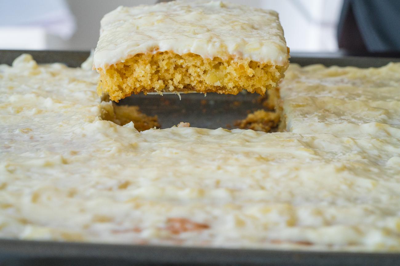 Pineapple Sheet Cake Horizontal (4 of 15)