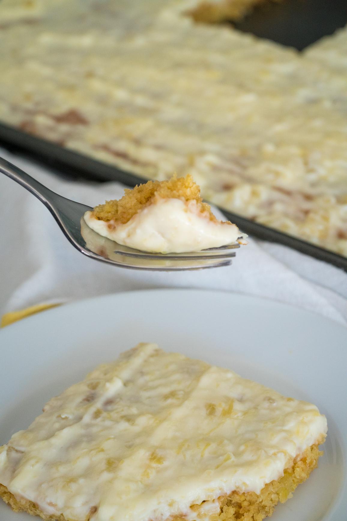 Pineapple Sheet Cake Vertical (5 of 6)