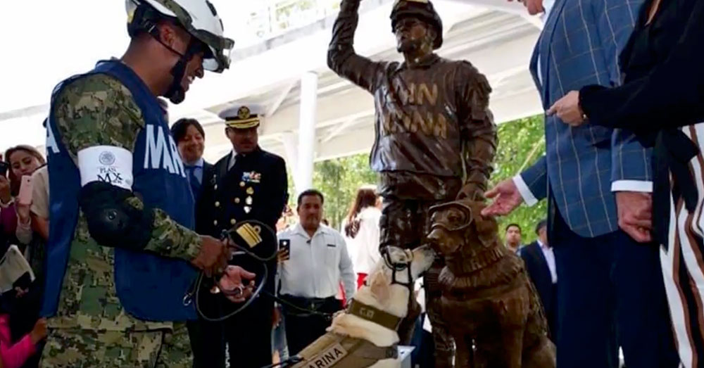 Source: YouTube/Despierta Veracruz The bronze sculpture was unveiled at an ecological garden in Puebla City.