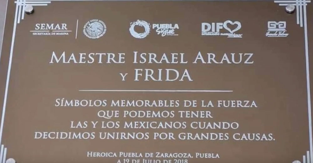 Source: YouTube/Despierta Veracruz The inscription on Frida's statue.