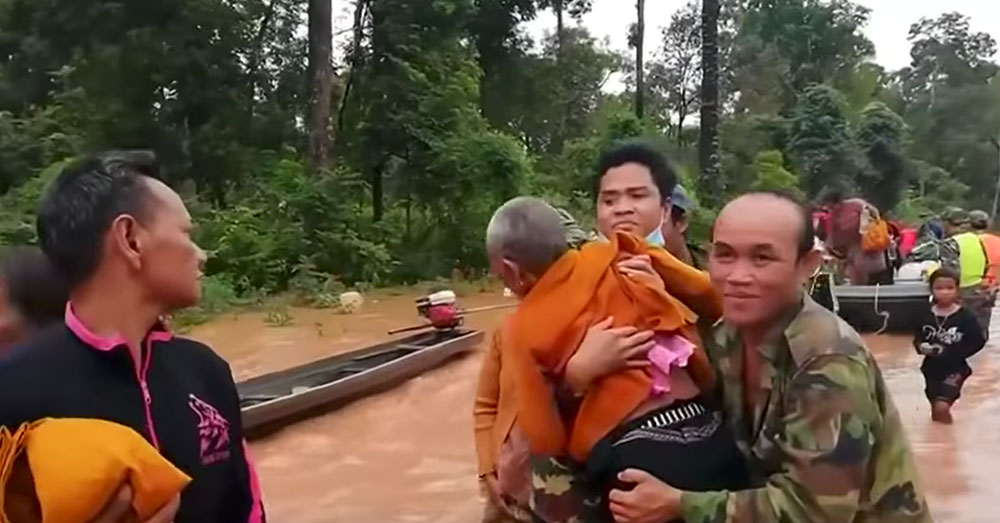 Source: YouTube/Straits Times Seven villages were flooded when the dam collapsed.