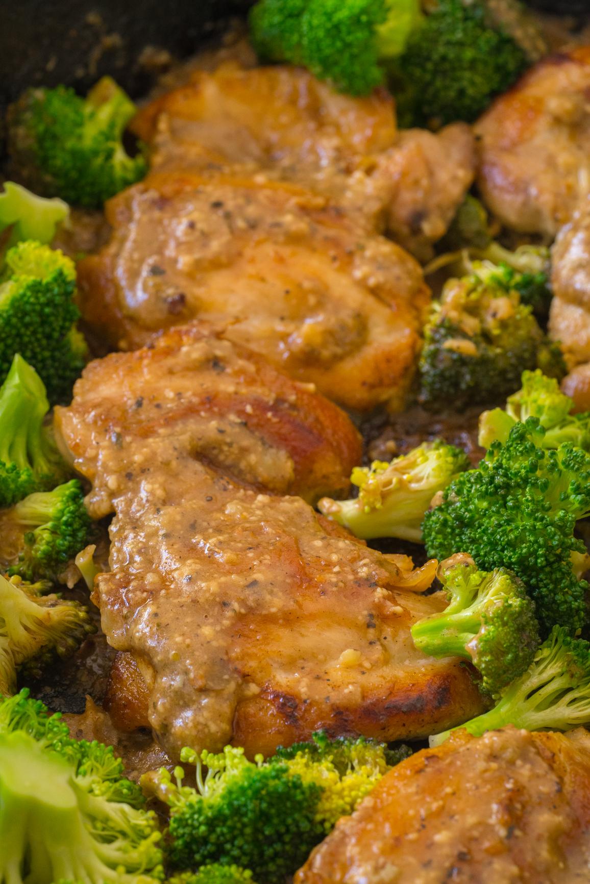 lemon_parmesan_chicken_broccoli_skillet_vertical__2_of_3_