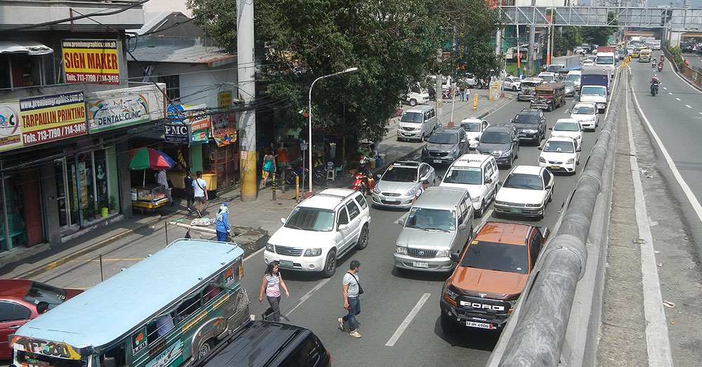 Source: Wikimedia Commons Manila traffic can be difficult to maneuver, especially for a tiny kitten.