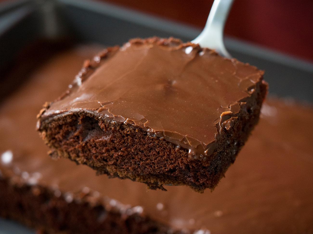 Baileys-Chocolate-Sheet-Cake-Horizontal-2