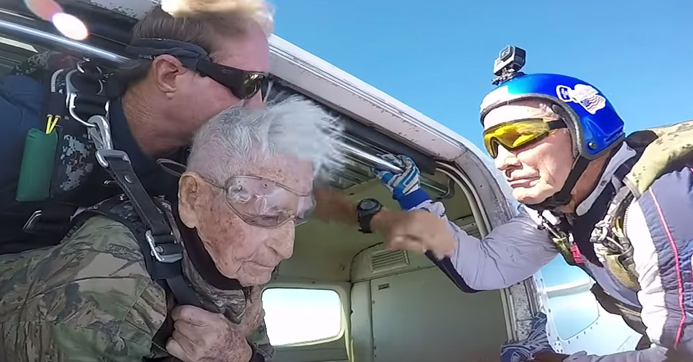 Source: YouTube/Star-Advertiser 100-year-old Olivas is ready to dive tandem for the first time in his life.