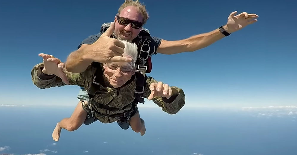 Source: YouTube/Star-Advertiser The adrenaline rush during a skydive is like nothing else.