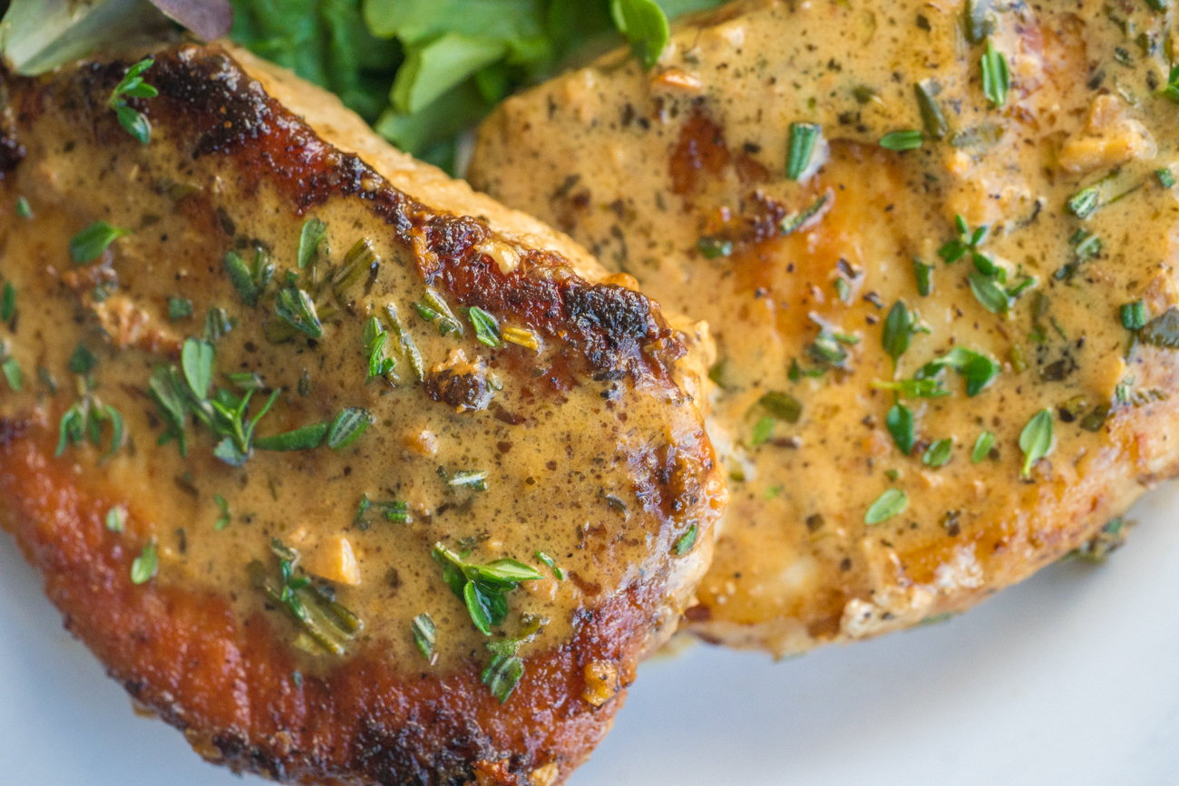 Garlic and Herb White Wine Pork Chop Skillet Horizontal (10 of 10)