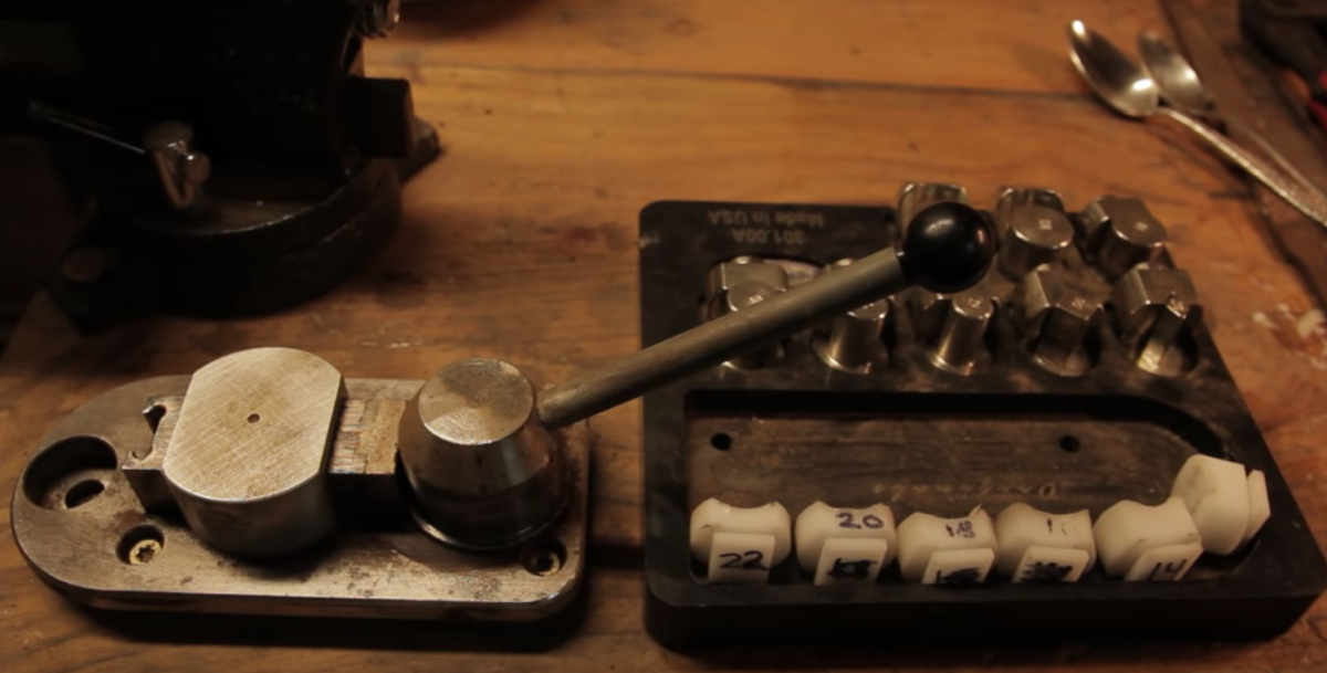 The Mesmerizing Process Of Making Antique Spoon Rings! – Crafty House