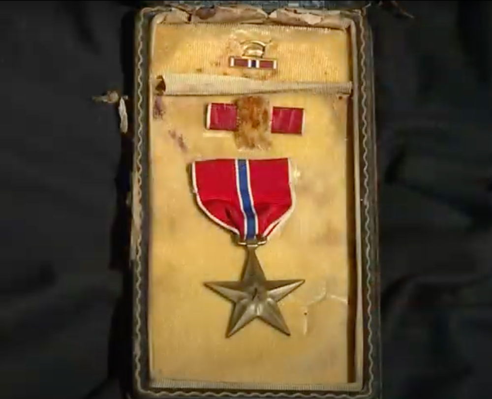 The box held a Bronze Star from WWII.