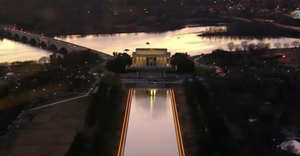 Lighting Ceremony at Lincoln Memorial Honors the 400,000 Lives Lost to COVID-19 in the U.S.