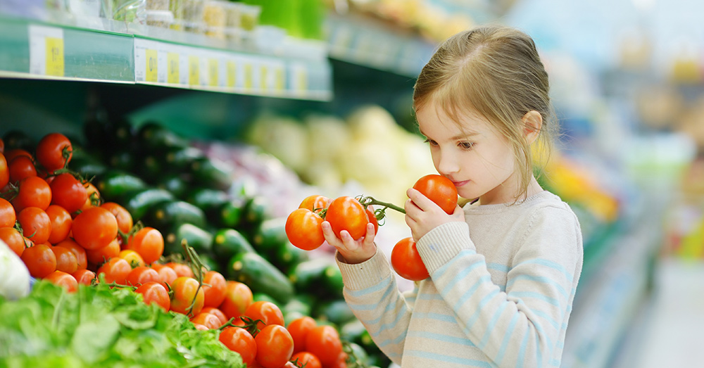 Chlorpyrifos residue can wind up on unwashed produce at the supermarket.