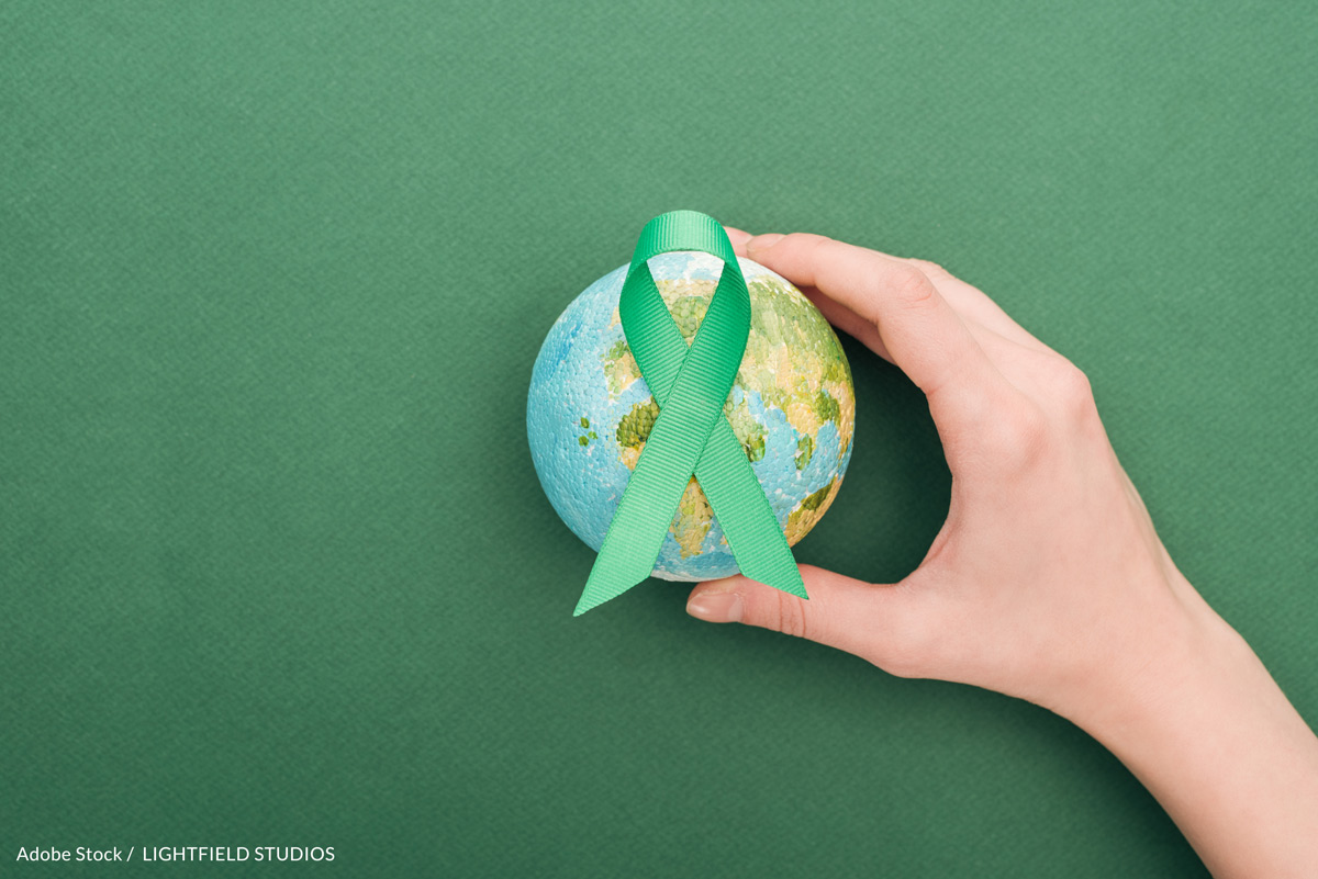 Take the Green Ribbon Pledge and stand up for Planet Earth!