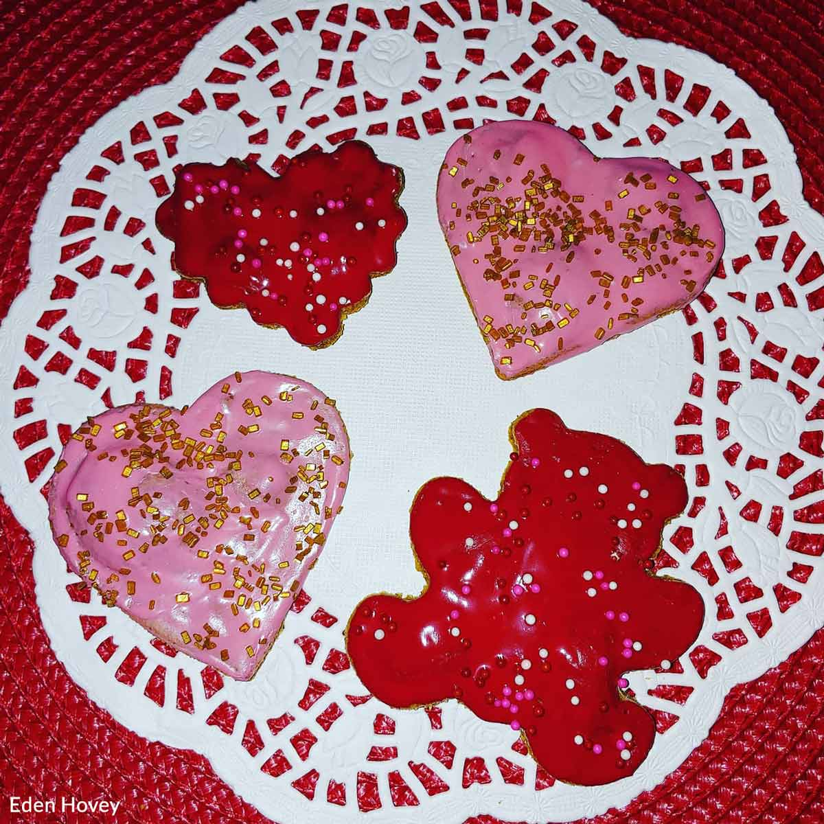 Some sweet canine Valentines from Logan's Dog House.