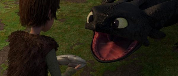 Black Cat Looks Just Like Toothless From 'How To Train Your Dragon'